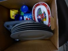 *Christmas plates, trays, cups
