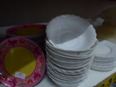 *selection of plates and bowls x approx. 80 items