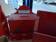 *4 x red boxes - ideal for letters/post