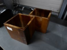 * 2 x wooden boxes