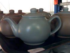 * 16 x teapots