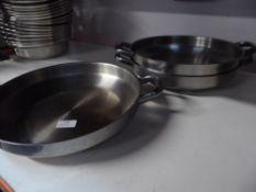 * 3 x shallow pans