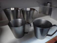 * 4 x gravy/sauce jugs
