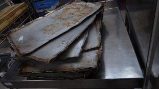 * 10+ baking trays