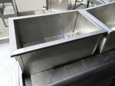 *Stainless Steel Insulated Ice Box