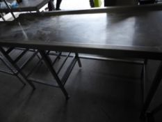 * S/S right hand feed table with space for pot wash trays. 1580w x 590d x 880h