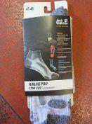 *Hiking Pro Low Cut Socks in Light Grey Size: 47-4