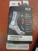 *Trekking Pro Classic Cut Socks in Light Grey Size