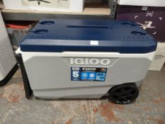 *Igloo 85L Portable Cool Box with Wheels and Carry