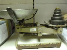 *Set of Vintage Scales with Weights