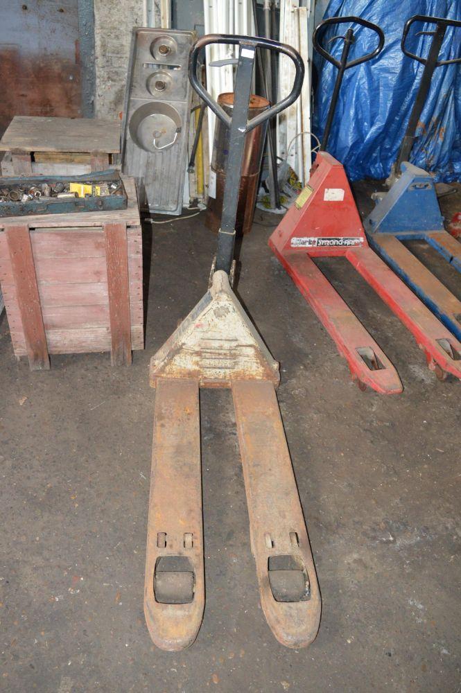 8318 - Stock of Fancy Goods, Pallet Racking and Garage Equipment.