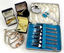 A quantity of mainly costume jewellery, to include a Masonic 22ct gold plated tie pin, parrot