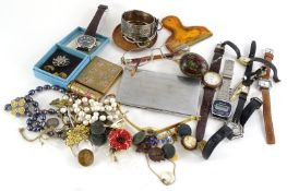 Miscellaneous items, to include dress watches, costume jewellery, military buttons, silver plated