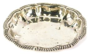 A William IV silver entree dish base, with a gadrooned border, London 1834, 31¼oz.