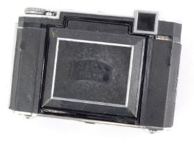 A Zeiss Super Ikonta 532/16 camera, with an 8cm f2.8 Tessar lens, Compur rapid shutter and rangefind