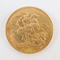 A George V gold sovereign 1913, 8.0g.