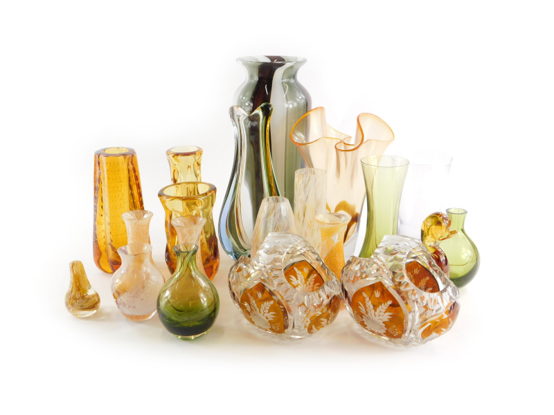 A quantity of art glass, to include a striped piece, Caithness type, Whitefriars Bubble, etc.
