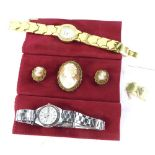 A group of jewellery, to include a Seiko stainless steel ladies wristwatch, a further wristwatch,