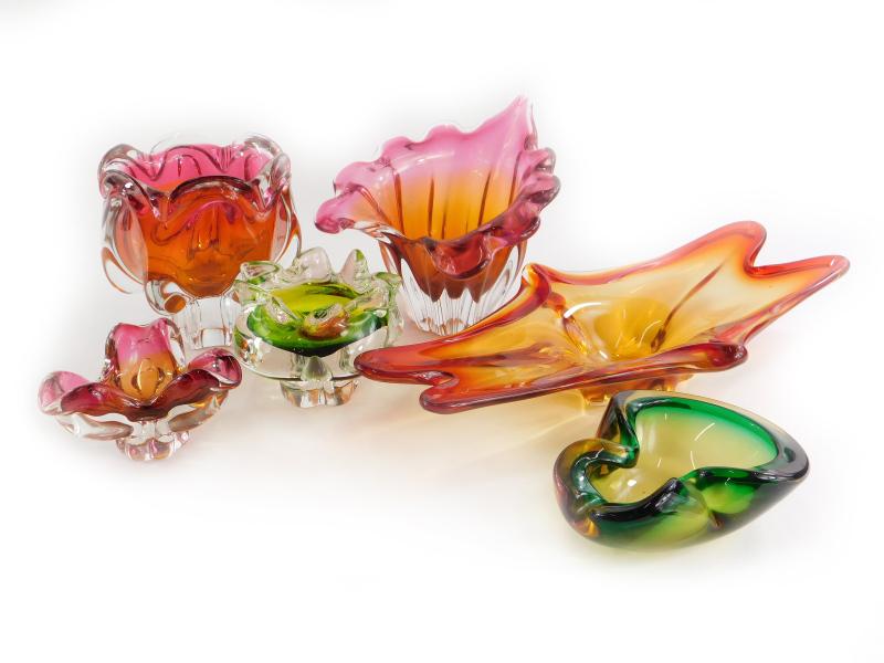 A quantity of mainly Czech coloured art glass, to include a centrepiece, leaf shaped bowl, etc. (6)