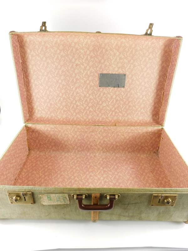 A green canvas and wooden bound suitcase or travel trunk, with brass effect metal mounts, British - Image 2 of 2