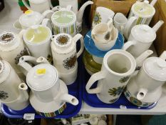 A quantity of retro part tea and coffee wares, to include Image 70 Soarya pattern, Studio Meakin,