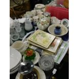 A Royal Doulton Westwood pattern part tea service, to include milk jug, side plates, drinking