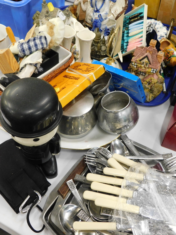 General household effects, to include loose flatware, house models, fox figures, etc.