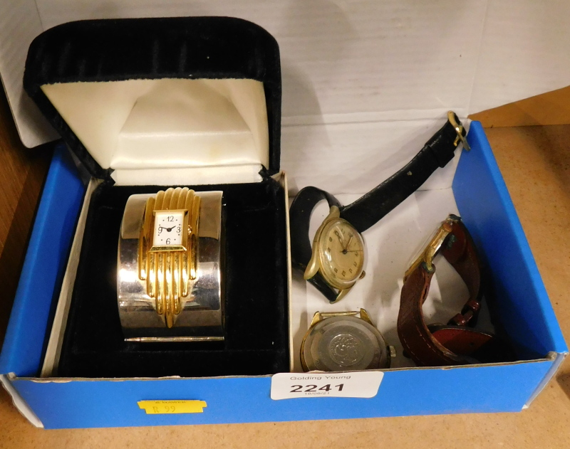 Various watches, to include a bangle watch, gent's Avia watch on leather strap, etc. (a quantity)
