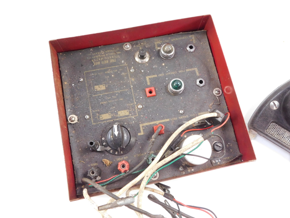 A Morrall & Whiteley Ltd testometer, The Red Box, together with a Davenset High Discharge battery - Image 2 of 3