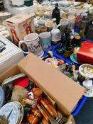 Ornaments, china, effects, Italian figure liquor bottle, tankards, Franklin porcelain Ashes cricket