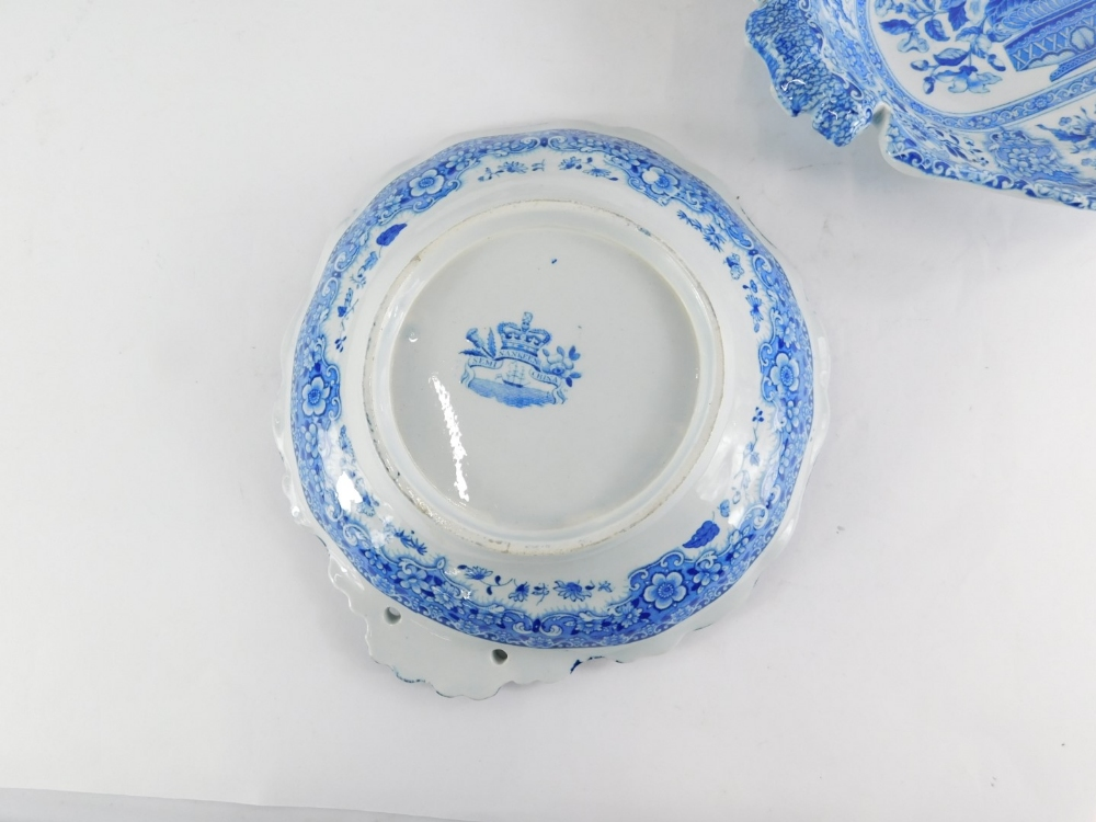 A 19thC semi China Nankeen pattern part dessert service, to include five dishes and a set of eight m - Image 2 of 2