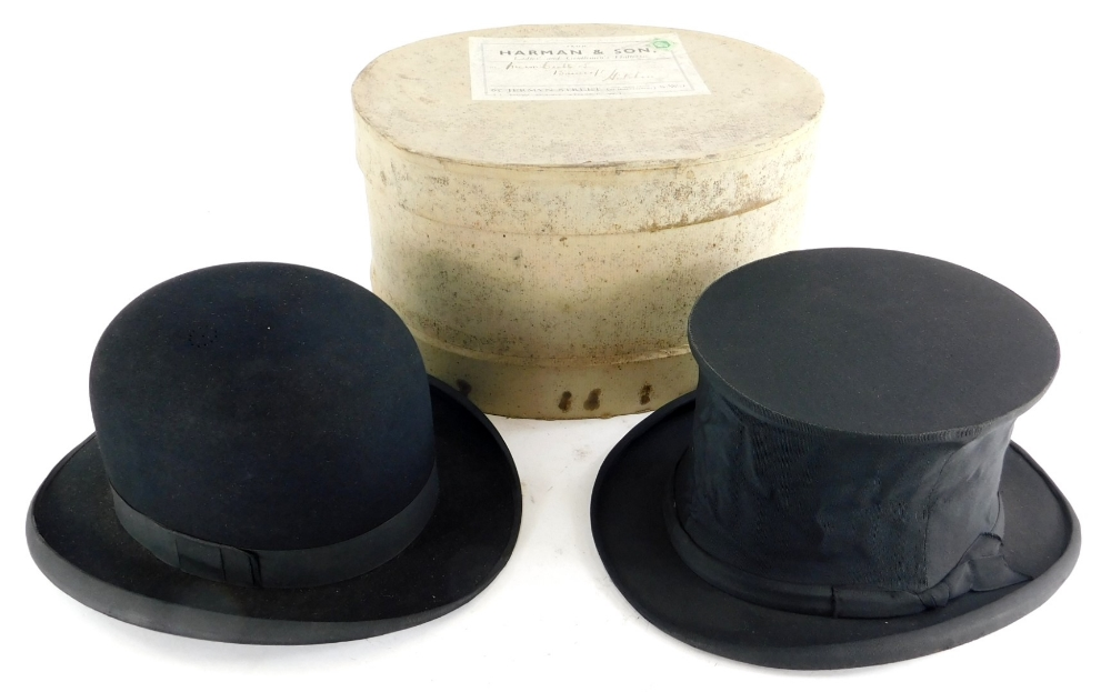 A C.A Dunn and Co gentleman's bowler hat, stamped to the leather band Reel Roan and a Lincoln Bennet