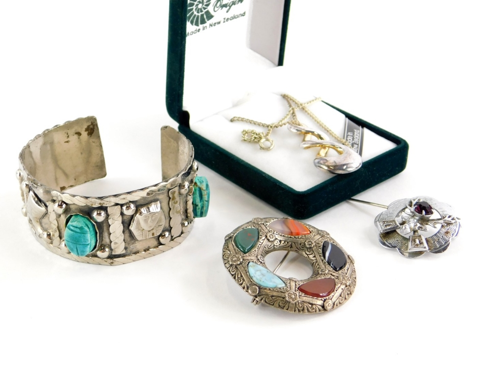 A group of silver and other jewellery, comprising a modern pewter Pacific Ocean pendant and chain, b