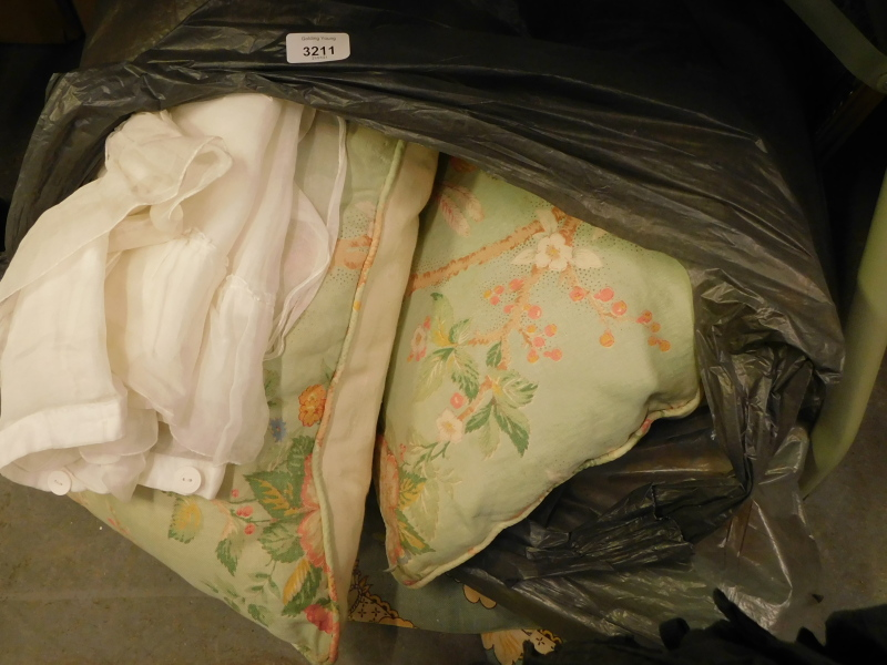 Various floral patterned cushions, material, etc. (a quantity)