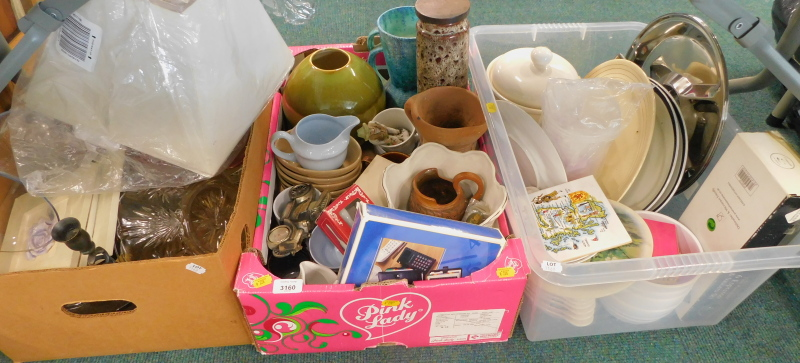 General household effects, to include lamp shade, glass bowl, Studio Pottery style vase, etc. (3 box