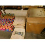Various boxed cabinet plates, children's snakes and ladders game, etc. (contents of under 1 table)