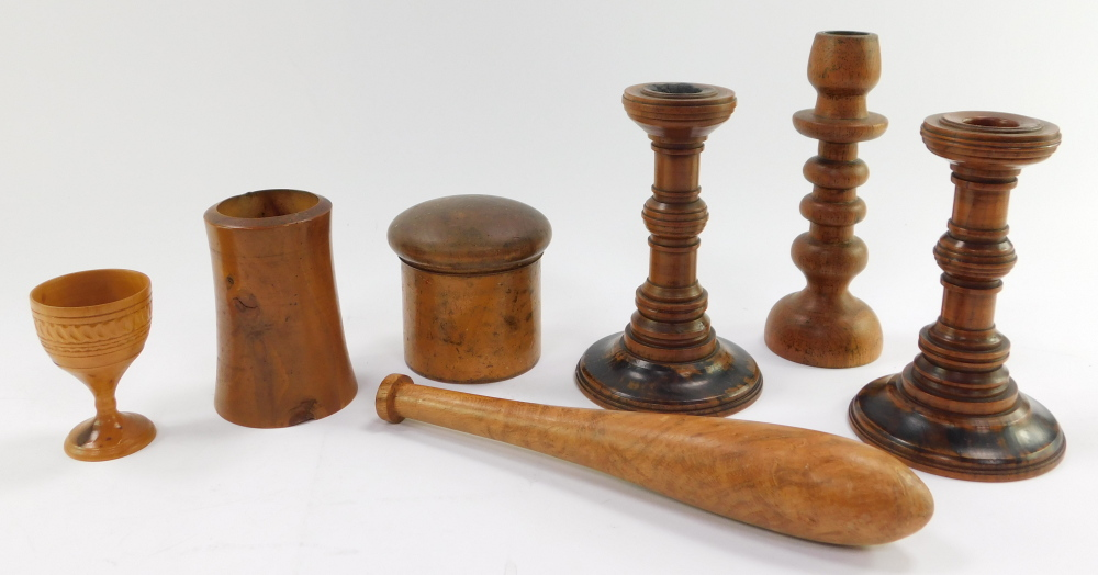 A group of treen, comprising a circular spice box and cover, three candlesticks, tapering vase, egg - Image 3 of 3