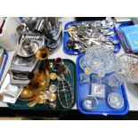 A quantity of loose flatware, various stainless steel tea wares, to include trays, toast rack, Easte
