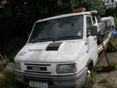 An Iveco vehicle recovery truck, registration P813 KSJ and Ford KA. (2)