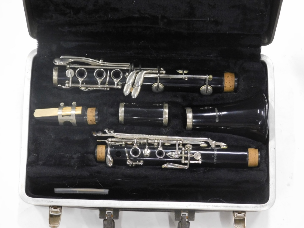 An Elkhart clarinet, in a fitted case. - Image 2 of 2