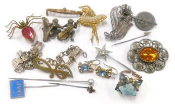 A collection of costume and dress jewellery, to include a bronze monkey brooch, a spider brooch, a f