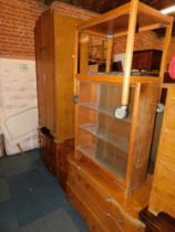 Bedroom furniture, together with a bookcase and a trolley. (5)