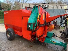 KVERNLAND 836 TRAILED STRAW CHOPPER