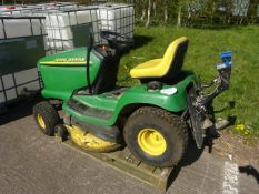 JOHN DEERE RIDE ON LAWN MOWER, WITH COLLECTIN BOX AND MULCHER DECK
