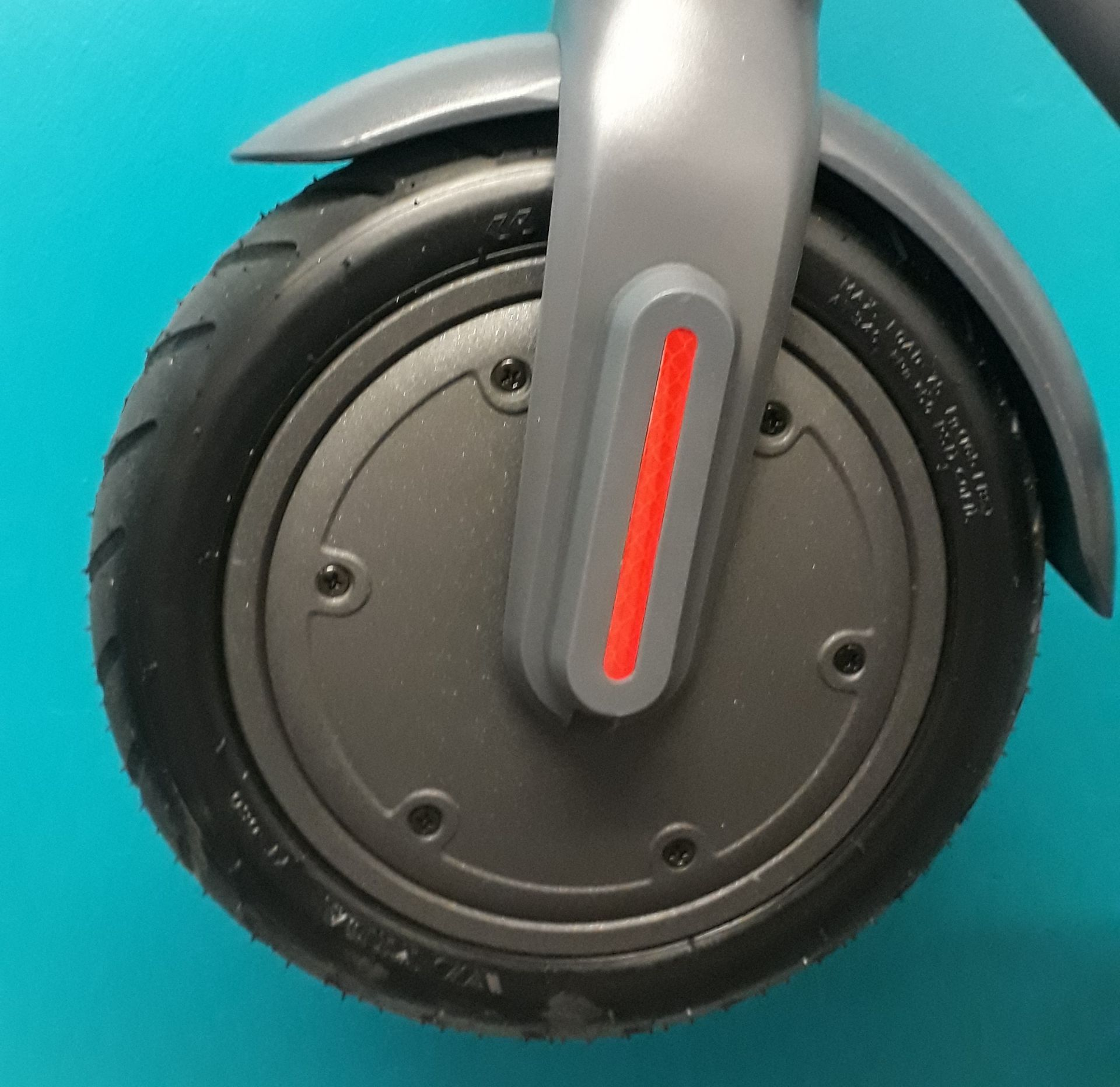 + VAT Brand New Hush Foldable Electric Scooter - Three Speeds - Max Speed 25km/h - ABS Disc - Image 3 of 4