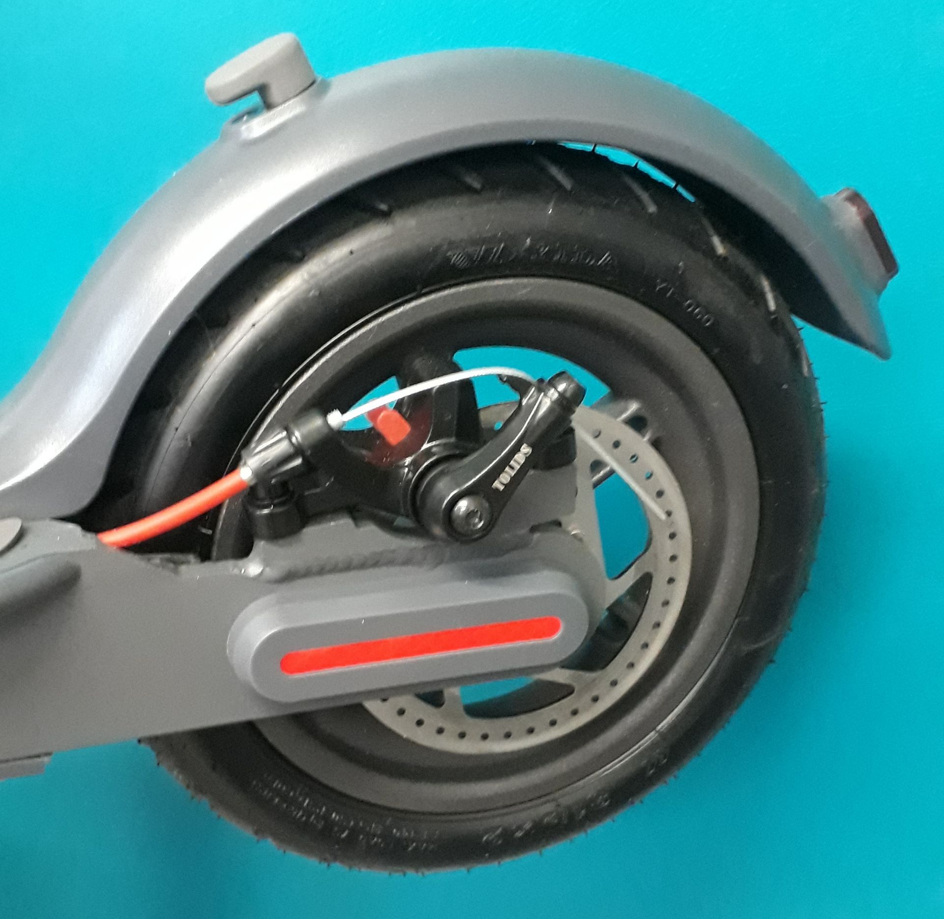 + VAT Brand New Hush Foldable Electric Scooter - Three Speeds - Max Speed 25km/h - ABS Disc - Image 4 of 4