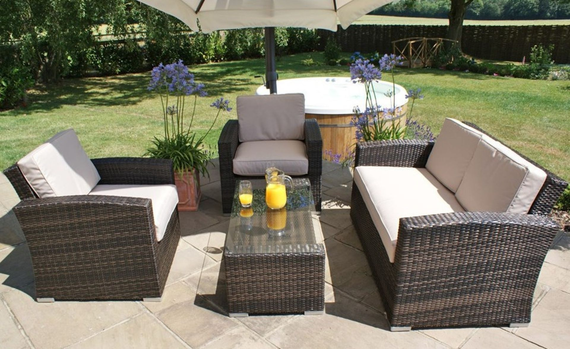 + VAT Brand New Chelsea Garden Company 4-Piece Grey Rattan Outdoor Sofa Set With Grey Cushions - - Image 2 of 2