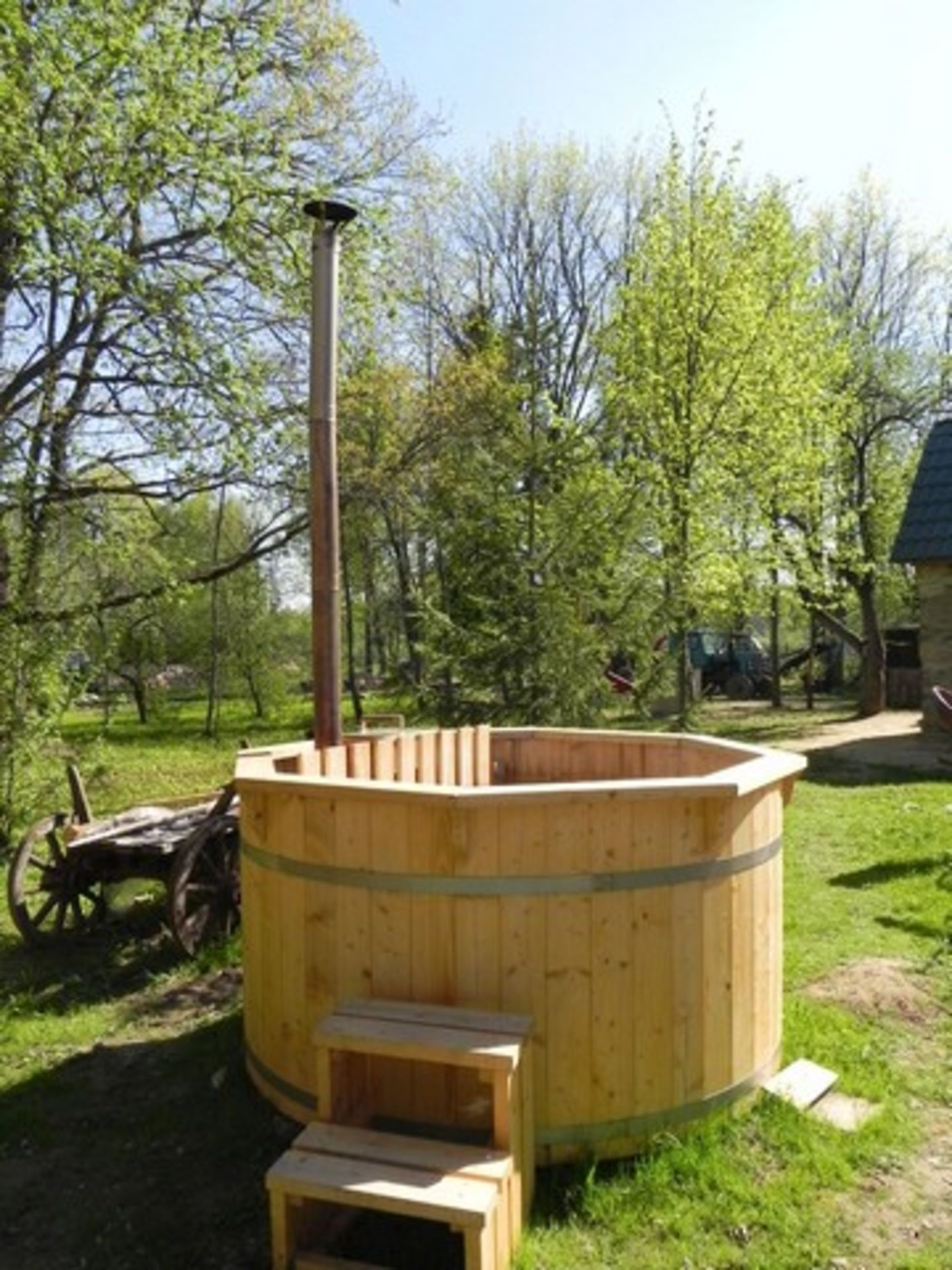 + VAT Brand New 2.2m Spruce Hot Tub with Heater Inside - Stainless Steel Heater with Chimney - - Image 3 of 3
