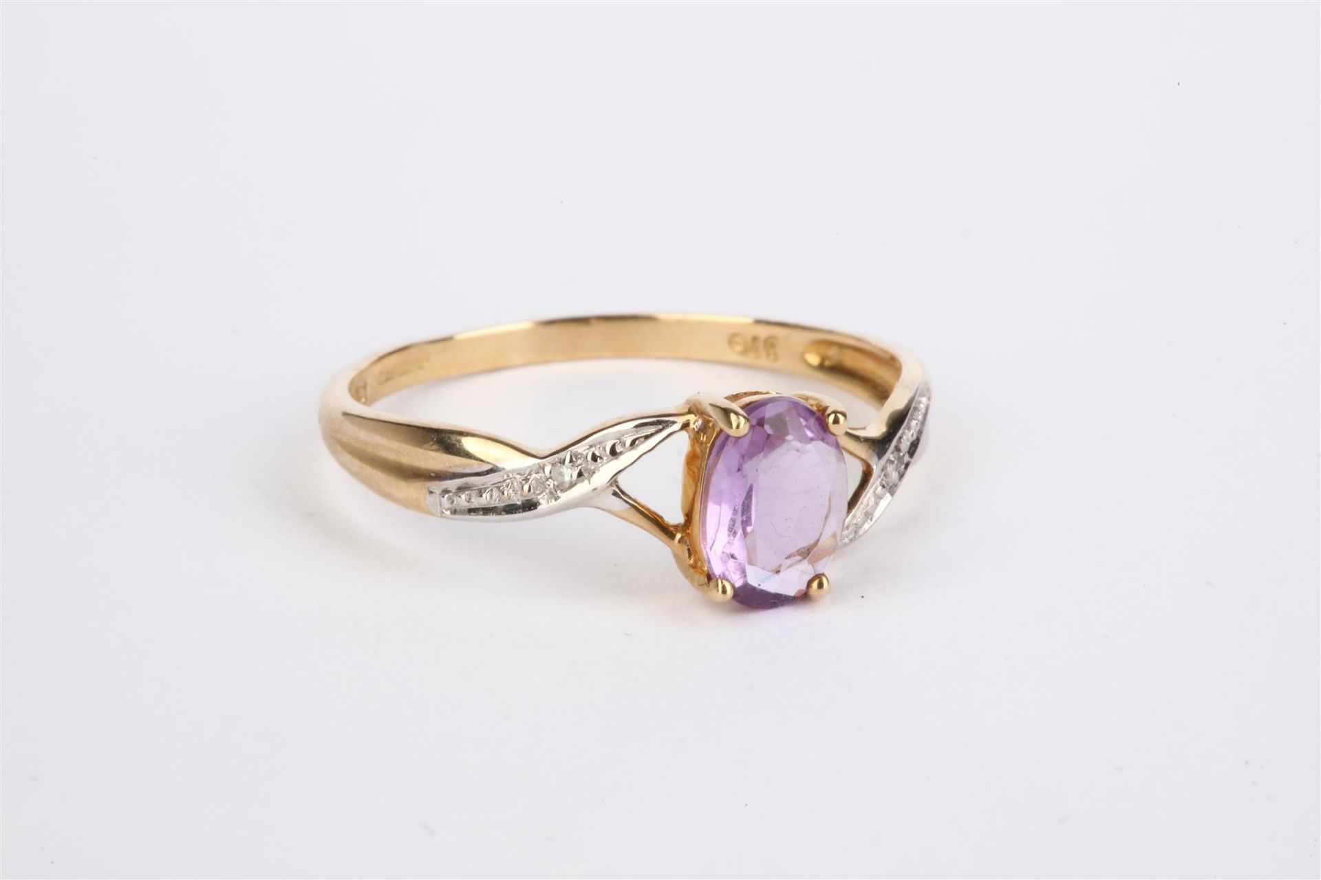+ VAT Ladies 9ct Yellow Gold Amethyst And Diamond Ring With Central Amethyst And Diamonds Mounted