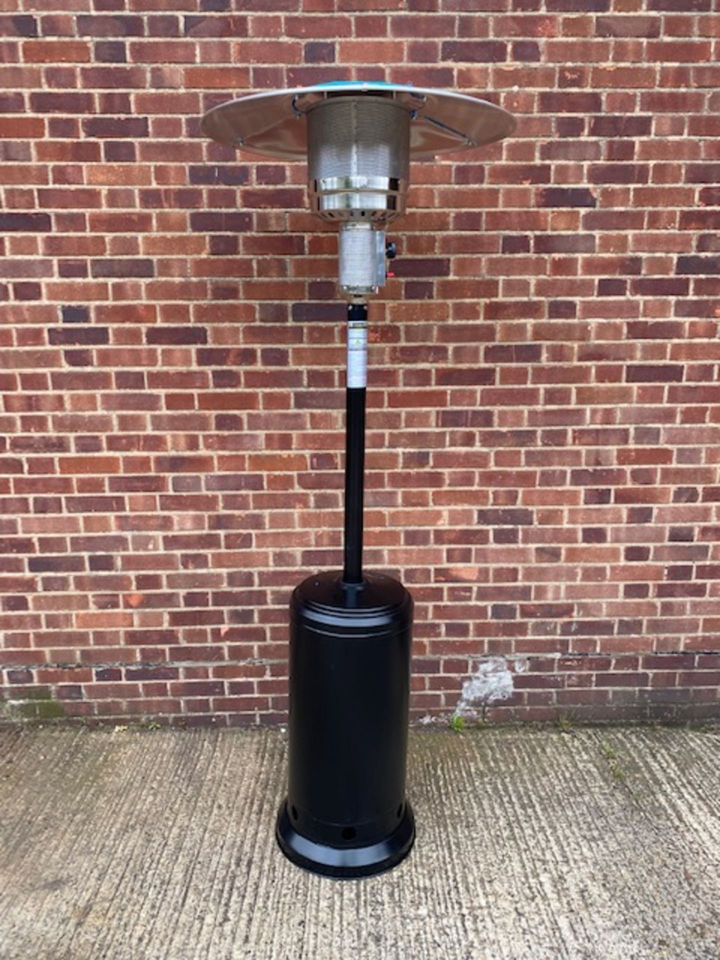 + VAT Brand New Chelsea Garden Company Garden Patio Heater With Cover - Item Is Available From - Image 3 of 9
